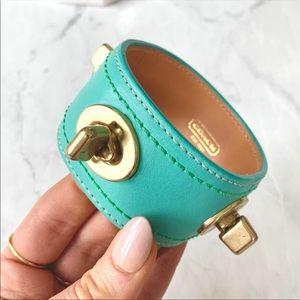 💋COACH Leather Turnlock Turquoise Bangle Bracelet